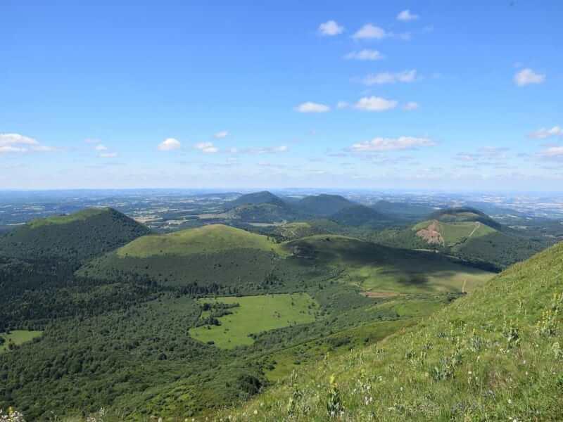 Photo Chaine des Puys en Auvergne lieu a visiter